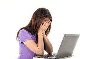 Kaip saugoti akis, jei nuolat dirbte kompiuteriu?