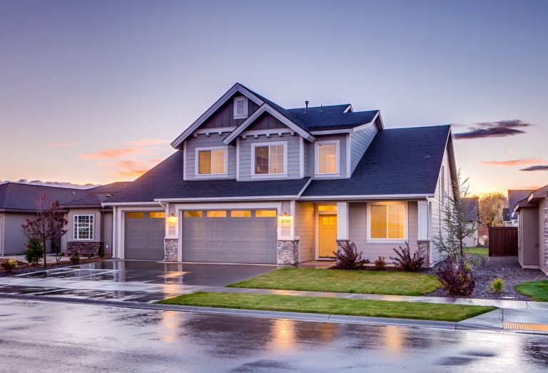 Šarvuotos durys namuose: kokie sprendimai Jūsų laukia?